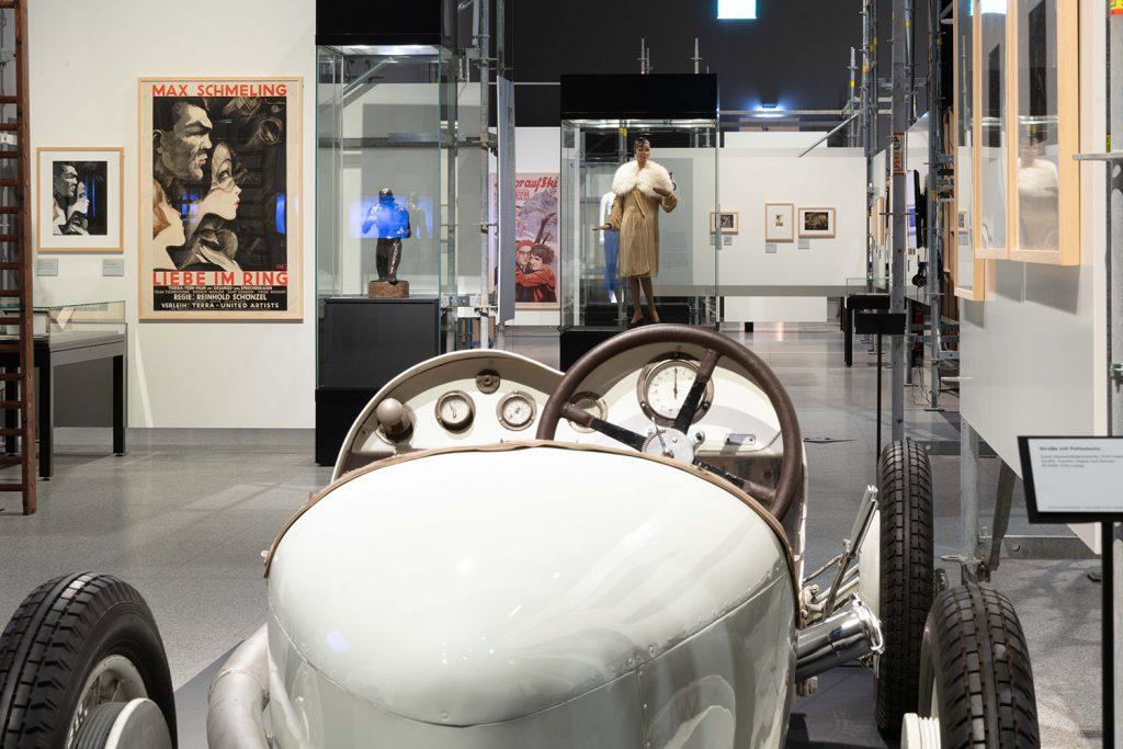 Ein Mercedes Monza in der Ausstellung